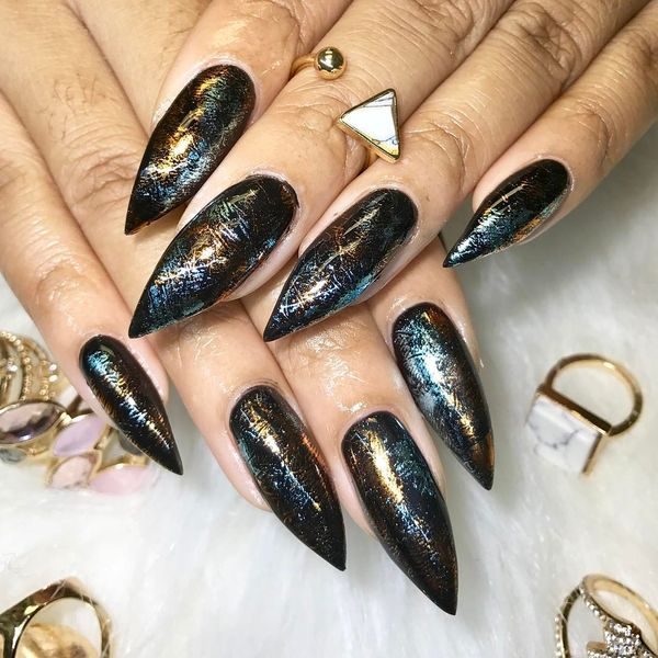 Black Pointy Nails Design