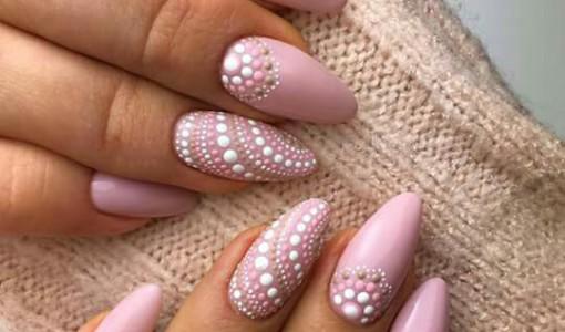 pastel nail art dots